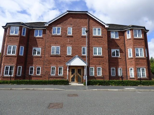 2 Bedrooms Flat for sale in Thorneycroft Drive, Warrington