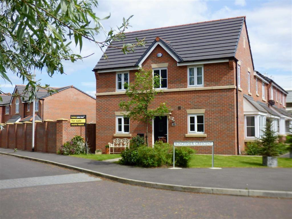 3 Bedrooms Semi Detached House for sale in Heron Way, Sandbach