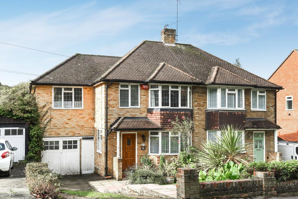 4 Bedrooms Semi Detached House for sale in Chapel View South Croydon CR2