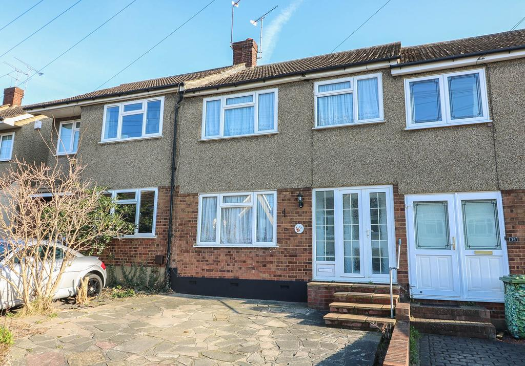 3 Bedrooms Terraced House for sale in Passingham Avenue , Billericay CM11