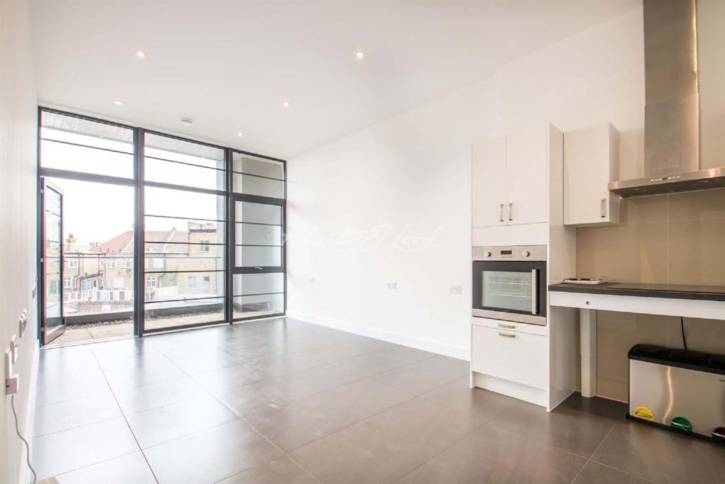 2 Bedrooms Flat for sale in Wick Tower, Powis Street, SE18