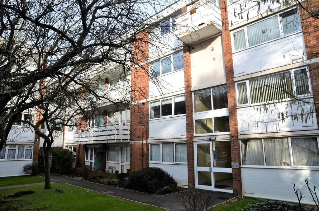 2 Bedrooms Apartment Flat for sale in Petworth Court, Bath Road, Reading, Berkshire, RG1