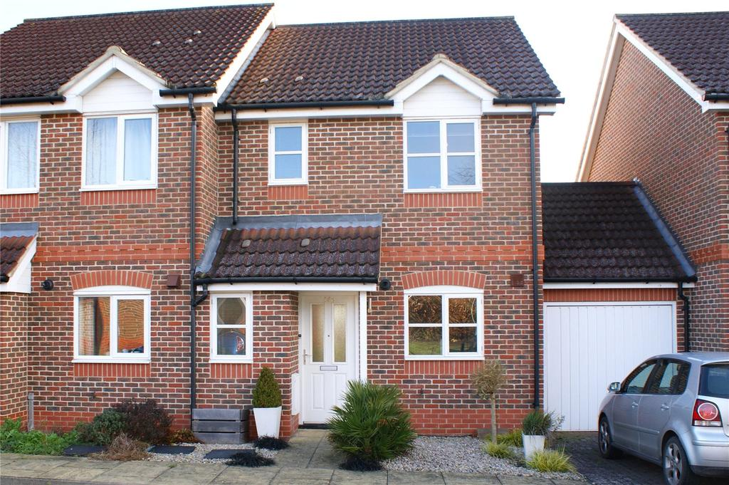 3 Bedrooms Semi Detached House for sale in Coniston Close, Woodley, Reading, Berkshire, RG5