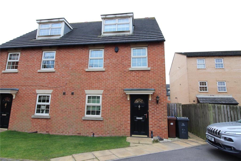 3 Bedrooms End Of Terrace House for sale in Bretton Close, Brierley, Barnsley, S72