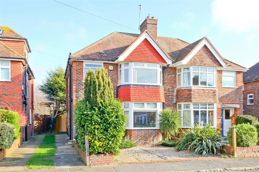 3 Bedrooms Semi Detached House for sale in Phoenix Way, Southwick, West Sussex