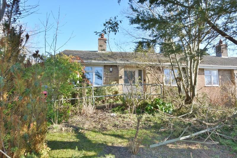 2 Bedrooms Semi Detached Bungalow for sale in Beech Hill Road, Tidworth