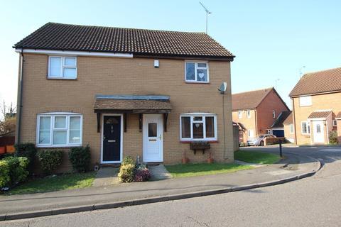 3 bedroom semi-detached house to rent - Marlborough Way, Billericay, Essex, CM12