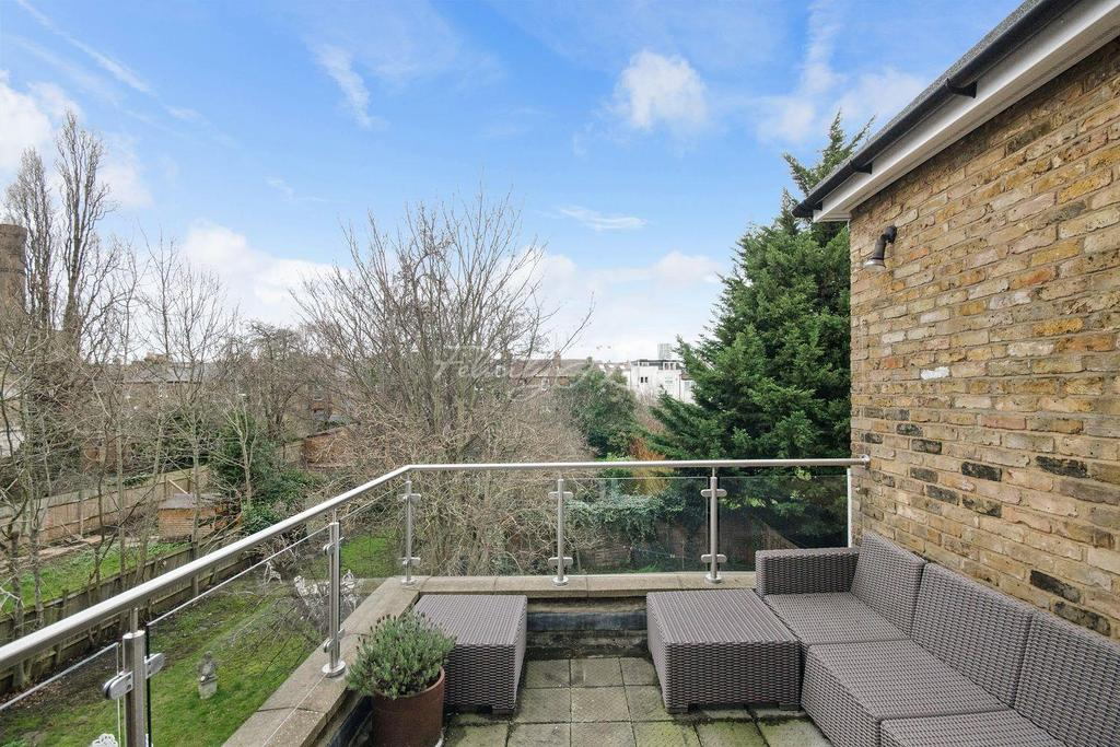 2 Bedrooms Flat for sale in Lordship Park, N16