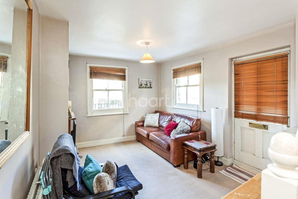 1 Bedroom Flat for sale in Summerly Street, Earlsfield, SW18