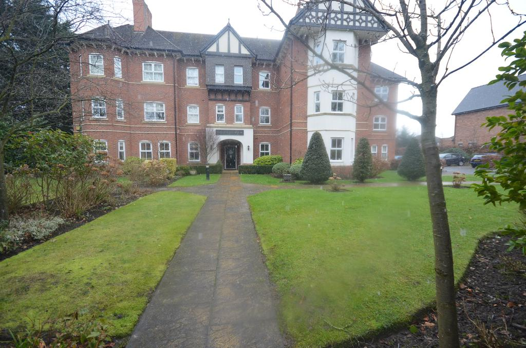 2 Bedrooms Apartment Flat for sale in Wellington House, Wellington Road, Timperley WA15