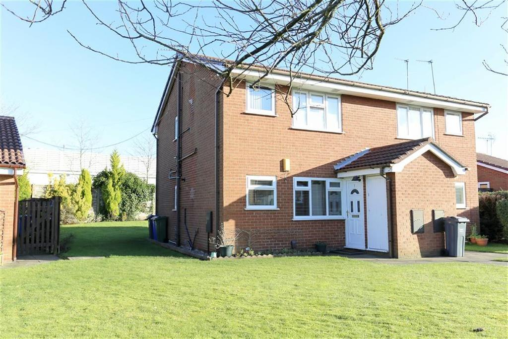 1 Bedroom Retirement Property for sale in Lavister Avenue, Burnage, Manchester