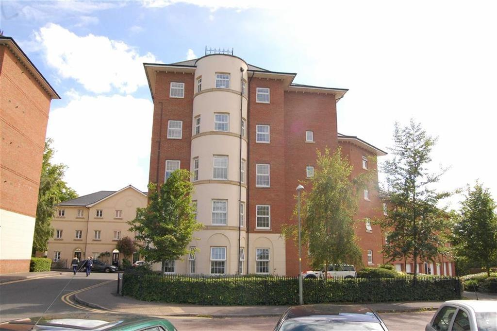 2 Bedrooms Penthouse Flat for sale in Mayhill Way, Gloucester