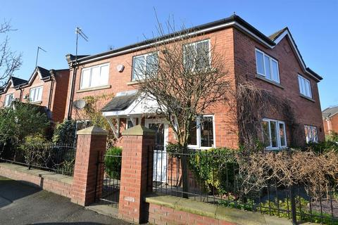 3 bedroom semi-detached house to rent - Yew Street, Hulme, Manchester. M15 5YW.