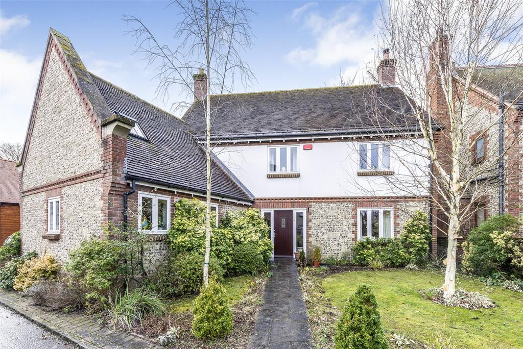 5 Bedrooms Detached House for sale in Manor Farm Close, Pimperne, Blandford Forum, Dorset