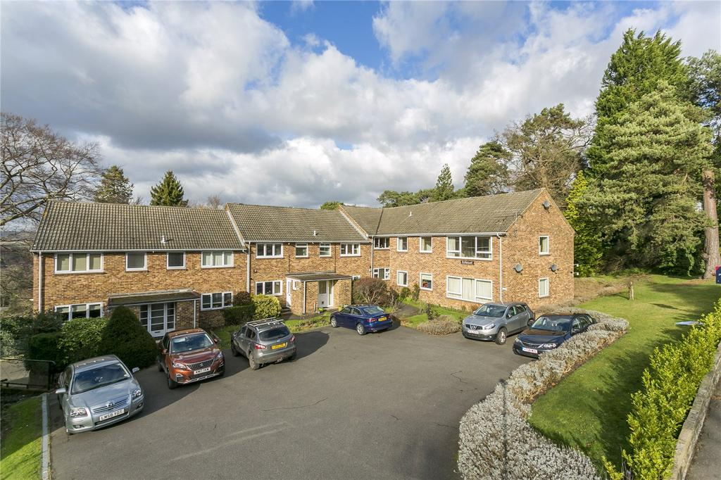 3 Bedrooms Flat for sale in Kirk Court, Mount Harry Road, Sevenoaks, Kent
