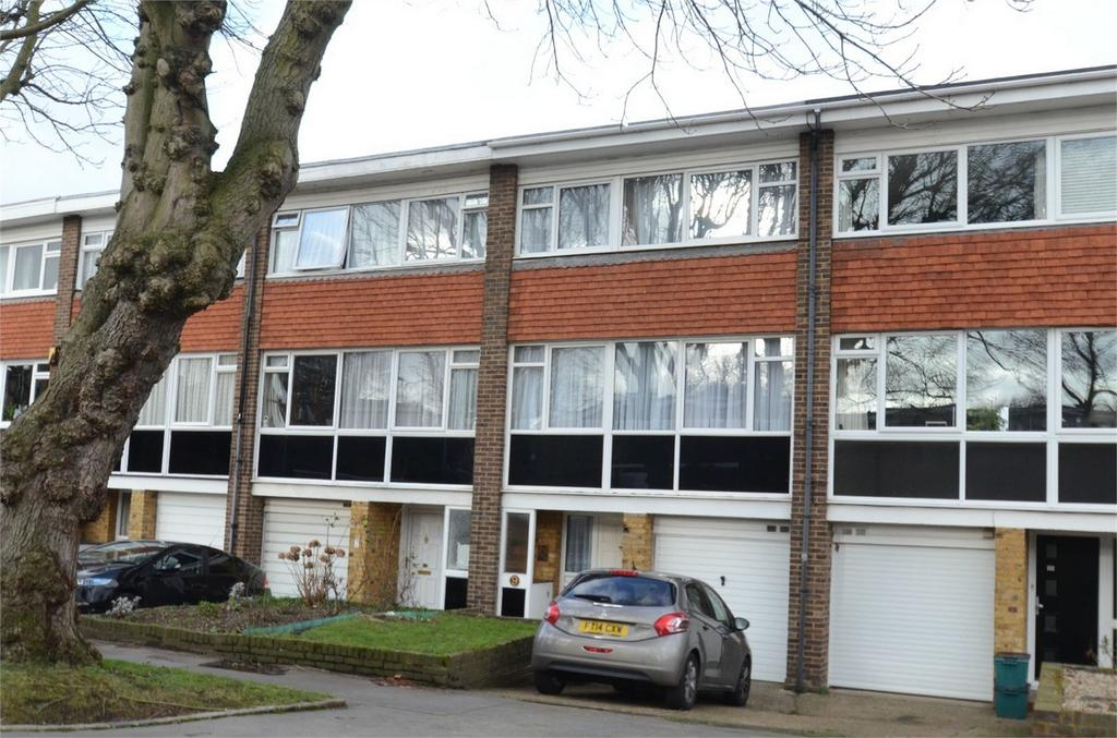 4 Bedrooms Town House for sale in Bracewood Gardens, Croydon, Surrey