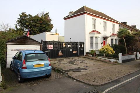 4 bedroom detached house for sale - Fulwich Road Dartford DA1