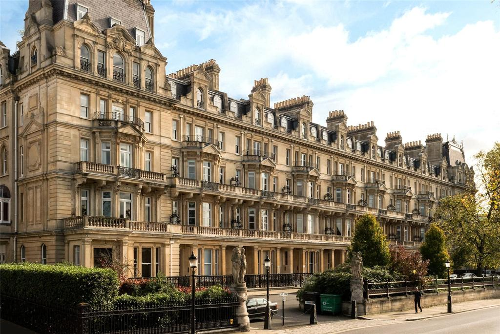 5 Bedrooms Flat for sale in Cambridge Gate, London