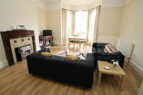 2 bedroom apartment to rent - Moorland Hall, Hyde Park