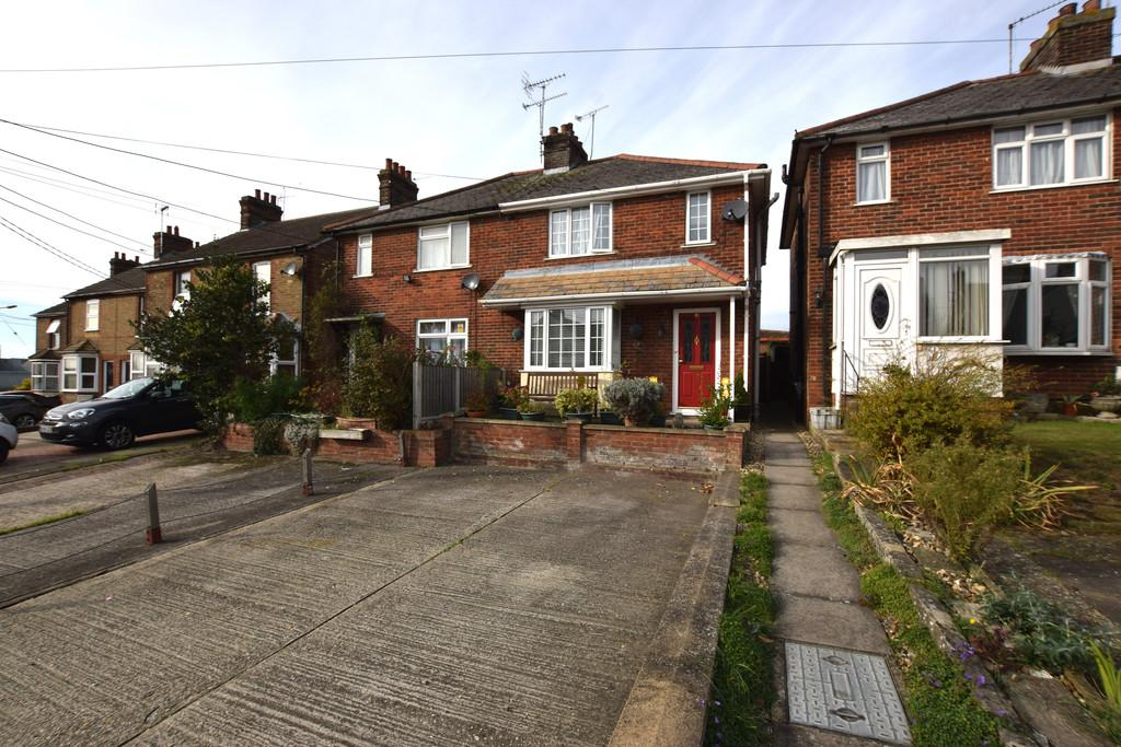 3 Bedrooms Semi Detached House for sale in Chapel Hill, Braintree