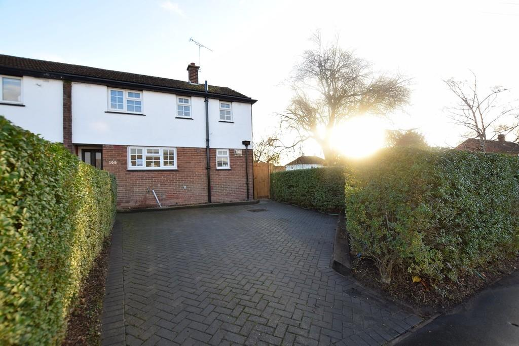 3 Bedrooms Semi Detached House for sale in Avon Road, Chelmsford