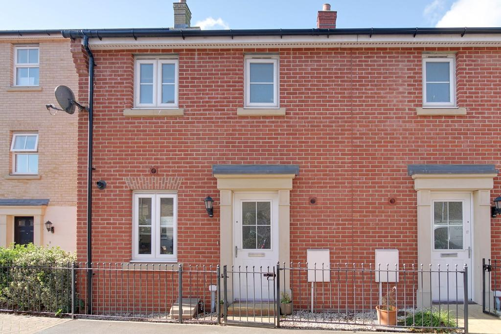 3 Bedrooms Terraced House for sale in Kirk Way, Colchester, CO4