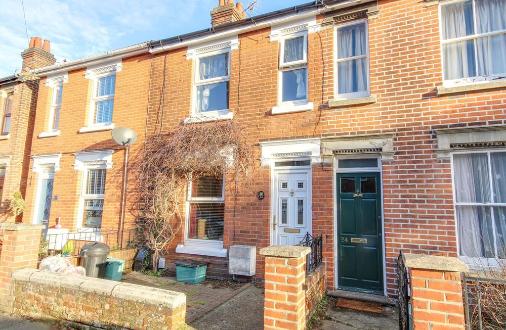 3 Bedrooms Terraced House for sale in Beche Road, Colchester, CO2
