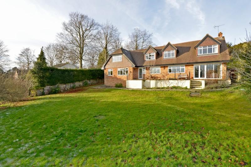 6 Bedrooms Detached House for sale in Guildown Avenue, Guildford