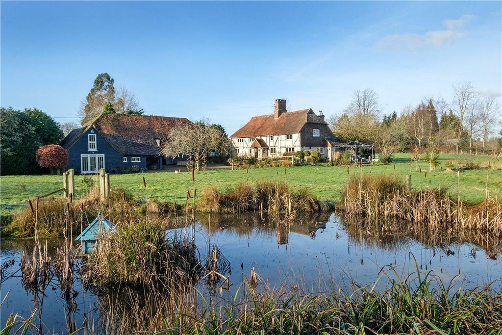 4 Bedrooms Detached House for sale in Skinners Lane, Chiddingfold, Godalming, Surrey, GU8