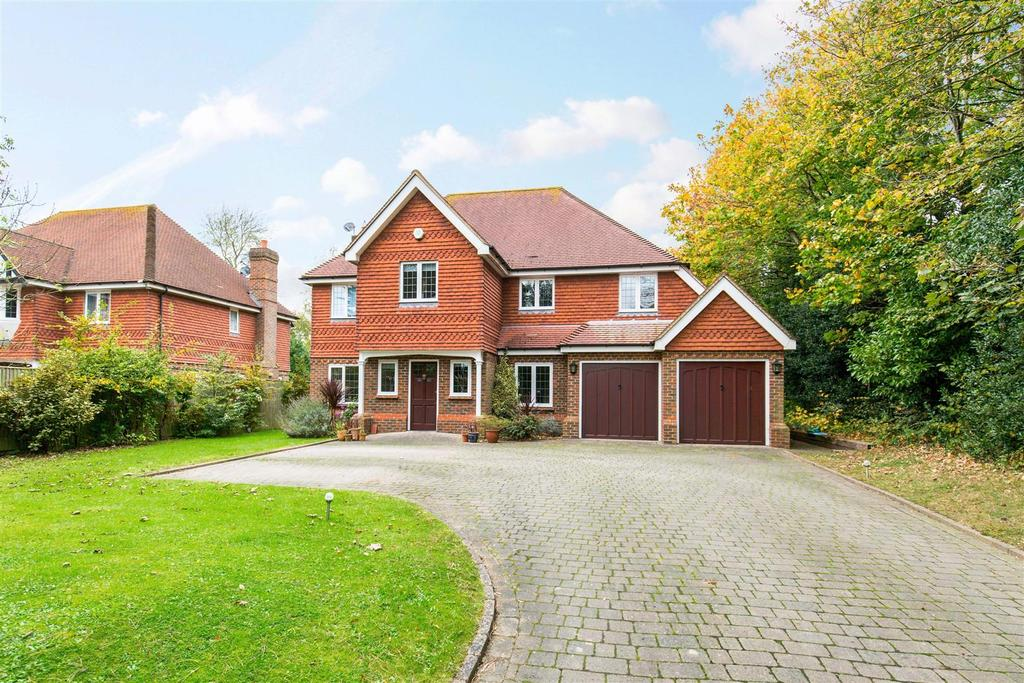 5 Bedrooms Detached House for sale in The Drive, Hellingly, Hailsham