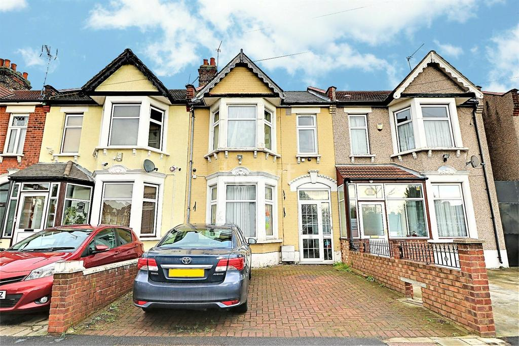 3 Bedrooms Terraced House for sale in Perth Road, Ilford, Essex
