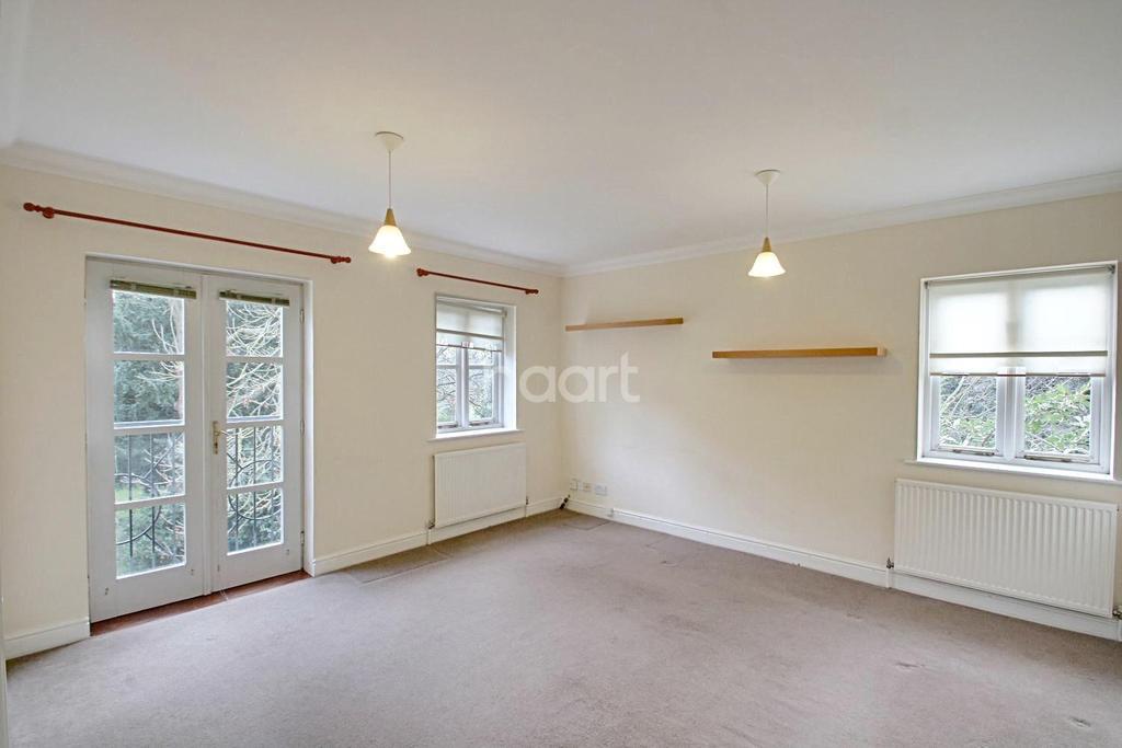 1 Bedroom Flat for sale in Bulstrode Place, Upton Park