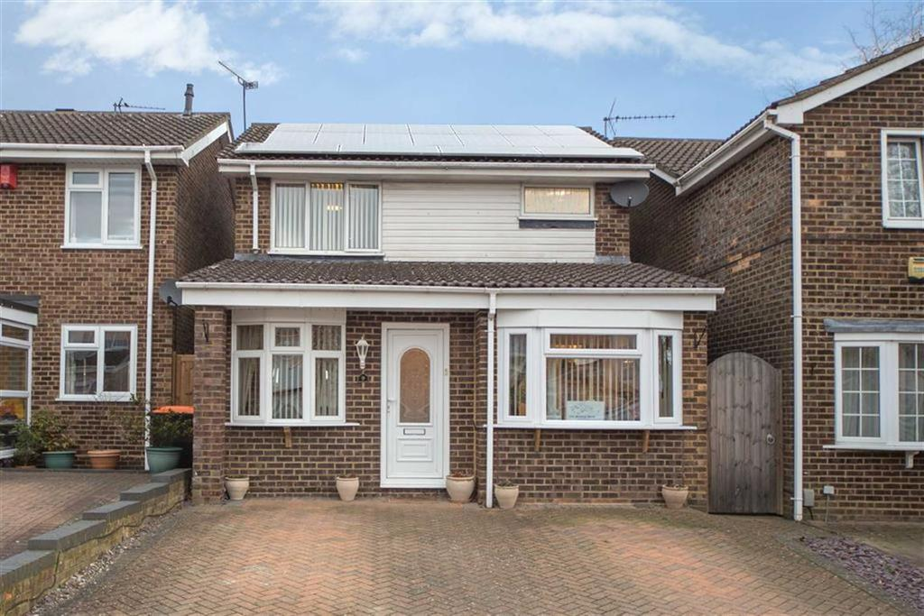 3 Bedrooms Detached House for sale in Campian Close, Dunstable, Bedfordshire, LU6