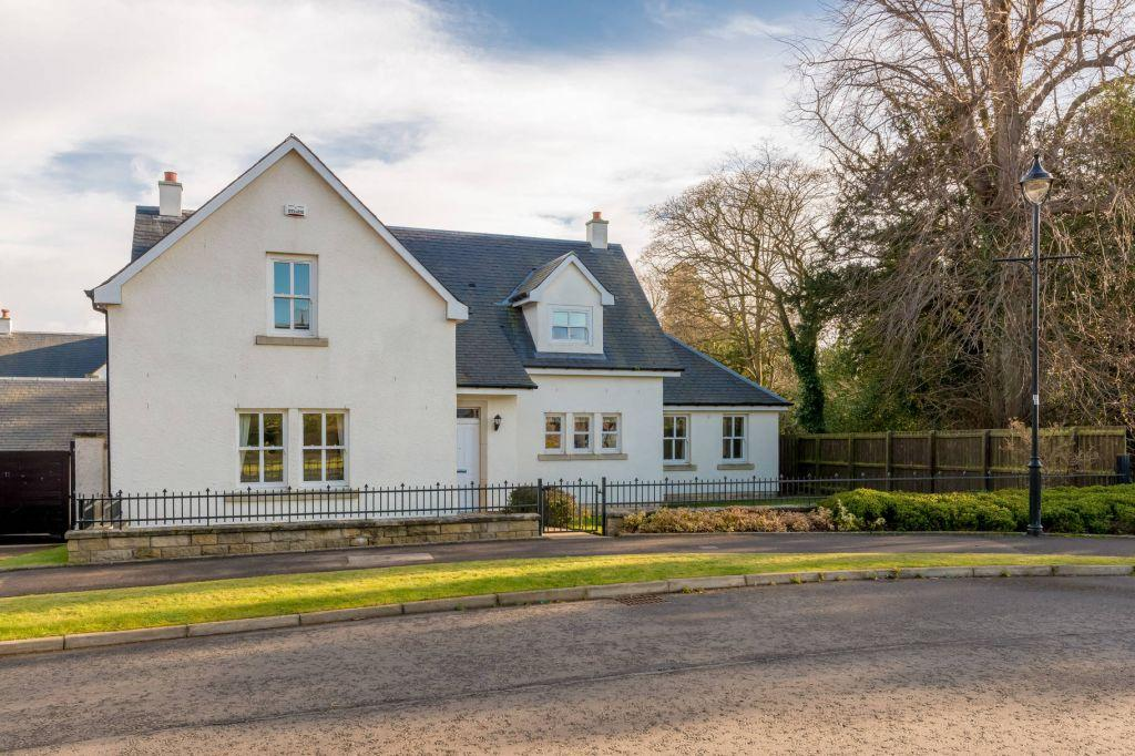 5 Bedrooms Detached House for sale in 1 Robert Smith Place, Dalkeith, EH22 1JF
