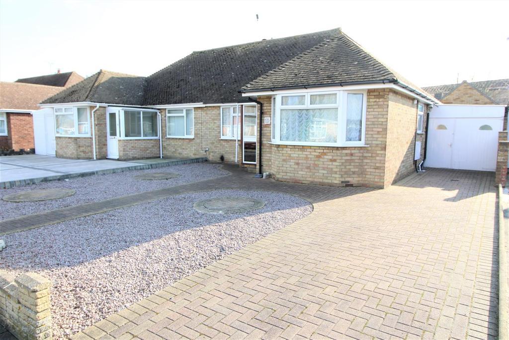2 Bedrooms Semi Detached Bungalow for sale in Walden Way, Frinton-On-Sea