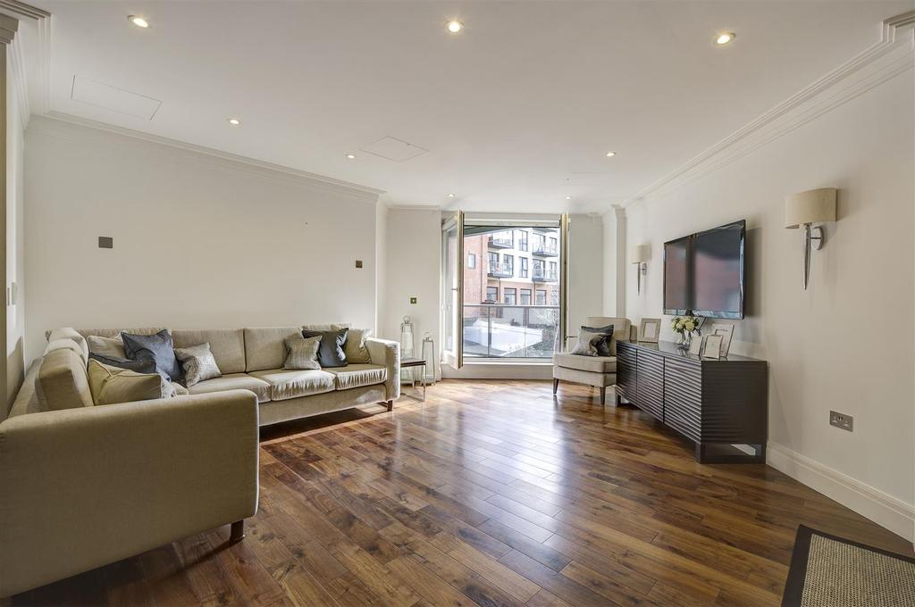 3 Bedrooms Apartment Flat for sale in West Heath Place, NW11