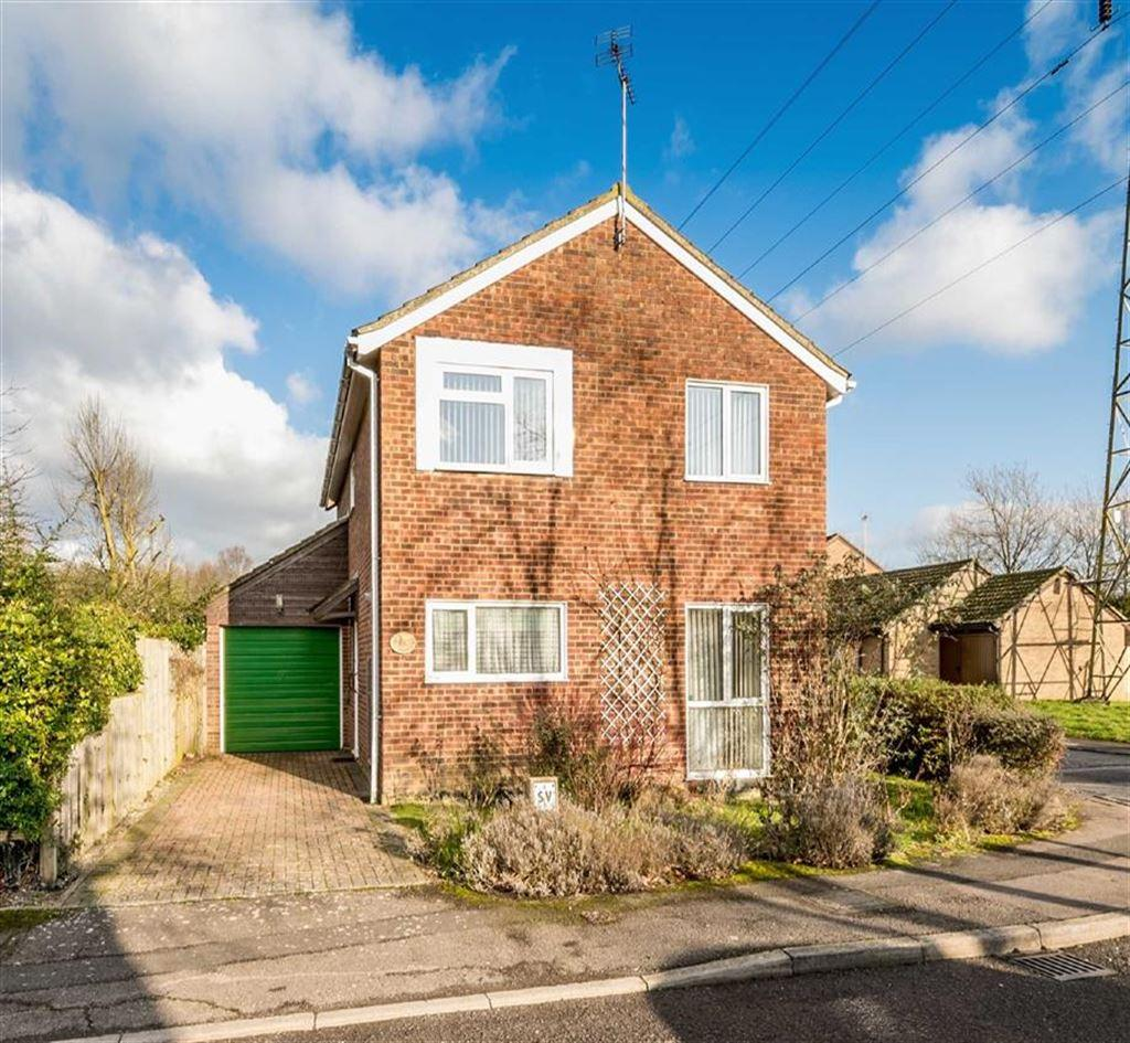 4 Bedrooms Detached House for sale in Millbrook Meadow, Singleton, Kent