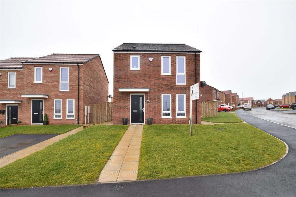 3 Bedrooms Detached House for sale in Grasmoor View, Castle Rise, Sunderland