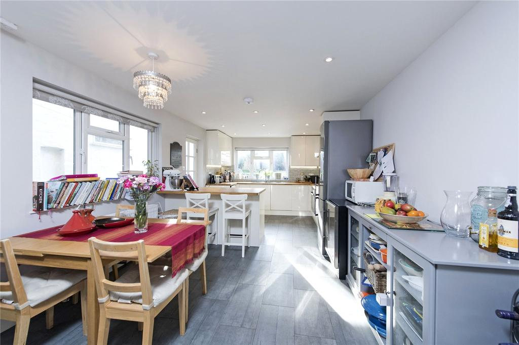 4 Bedrooms Semi Detached House for sale in Rossiter Road, Balham, London, SW12