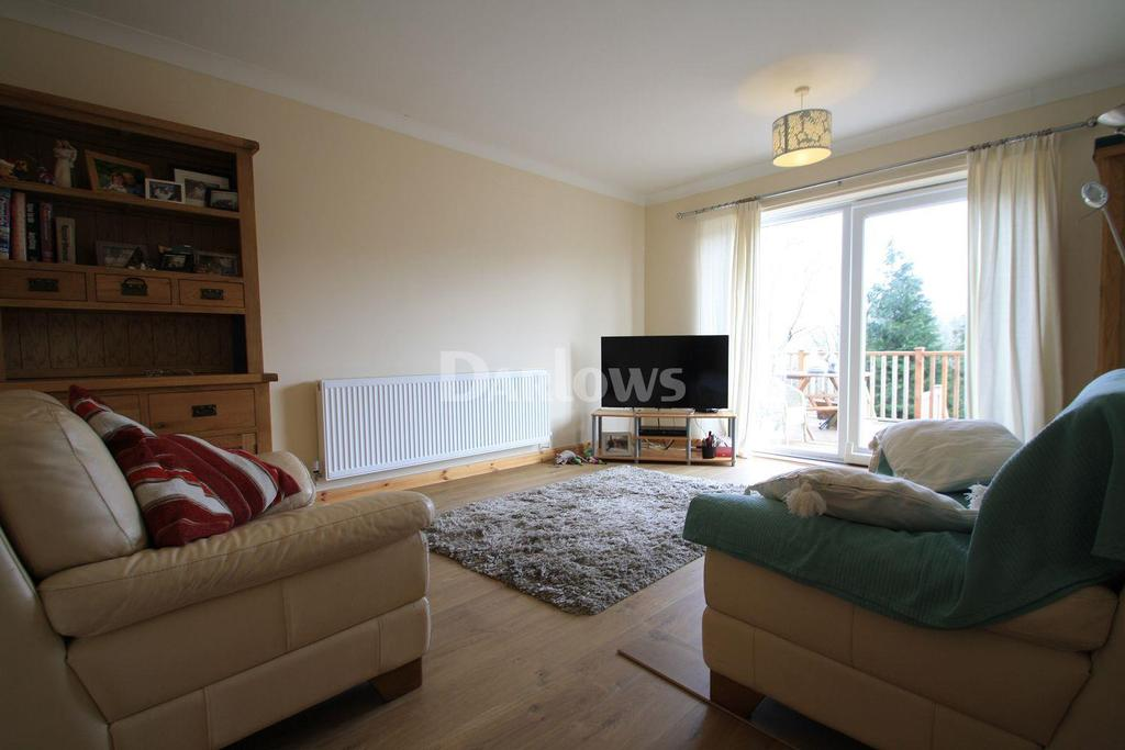 2 Bedrooms Bungalow for sale in Drysiog Street, Ebbw Vale, Gwent