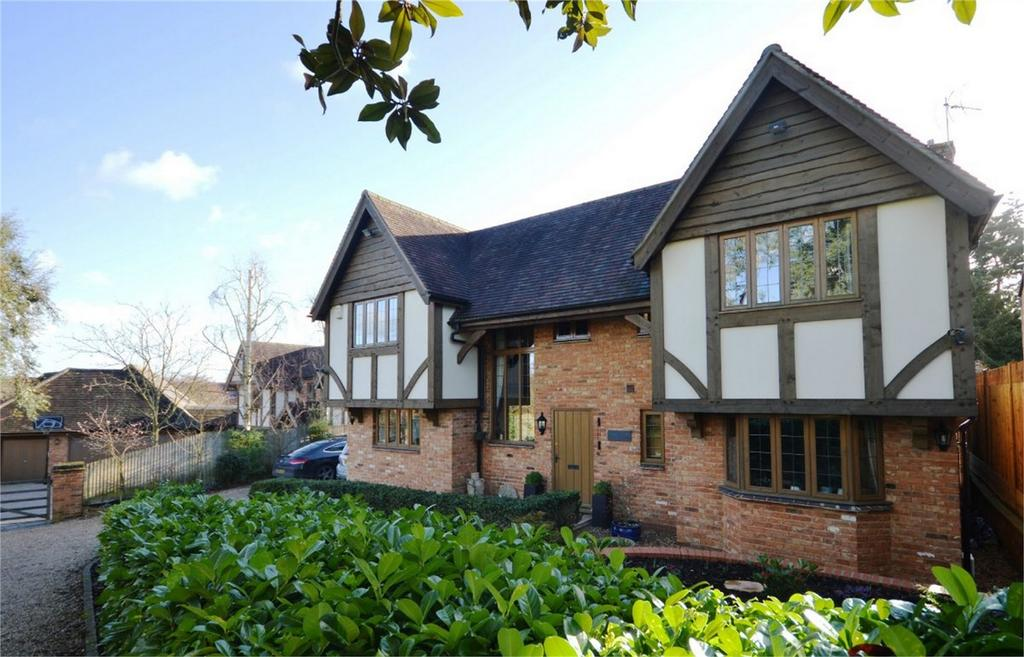 5 Bedrooms Detached House for sale in Oak House, 28a Chantry Road, Bishop's Stortford