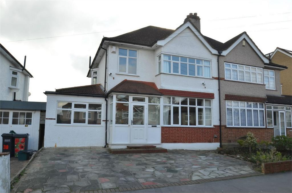 4 Bedrooms Semi Detached House for sale in Shirley Way, Shirley, Croydon, Surrey