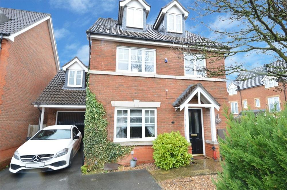 4 Bedrooms Detached House for sale in Melrose Avenue, Braeburn Park, Crayford