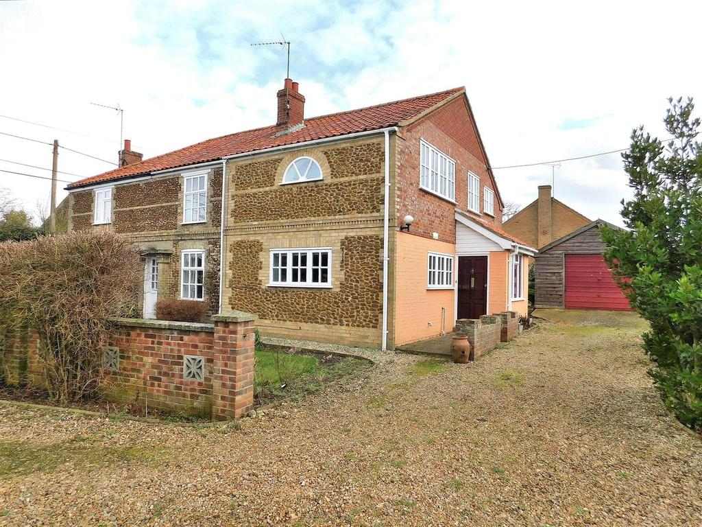 3 Bedrooms Semi Detached House for sale in Castle Road, Wormegay, King's Lynn