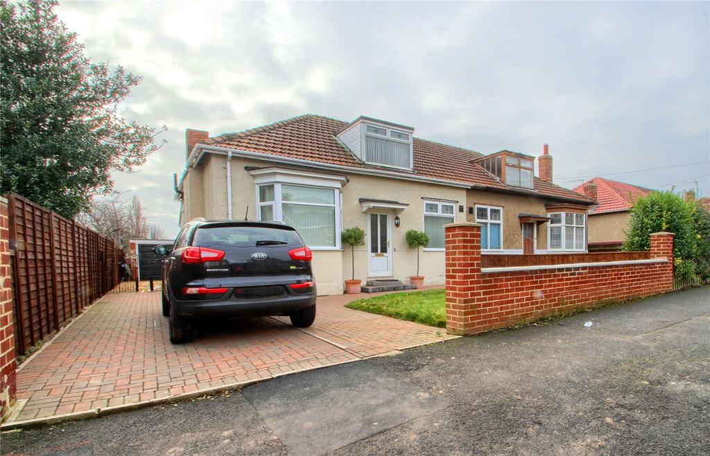 3 Bedrooms Semi Detached Bungalow for sale in Grangefield Road, Grangefield