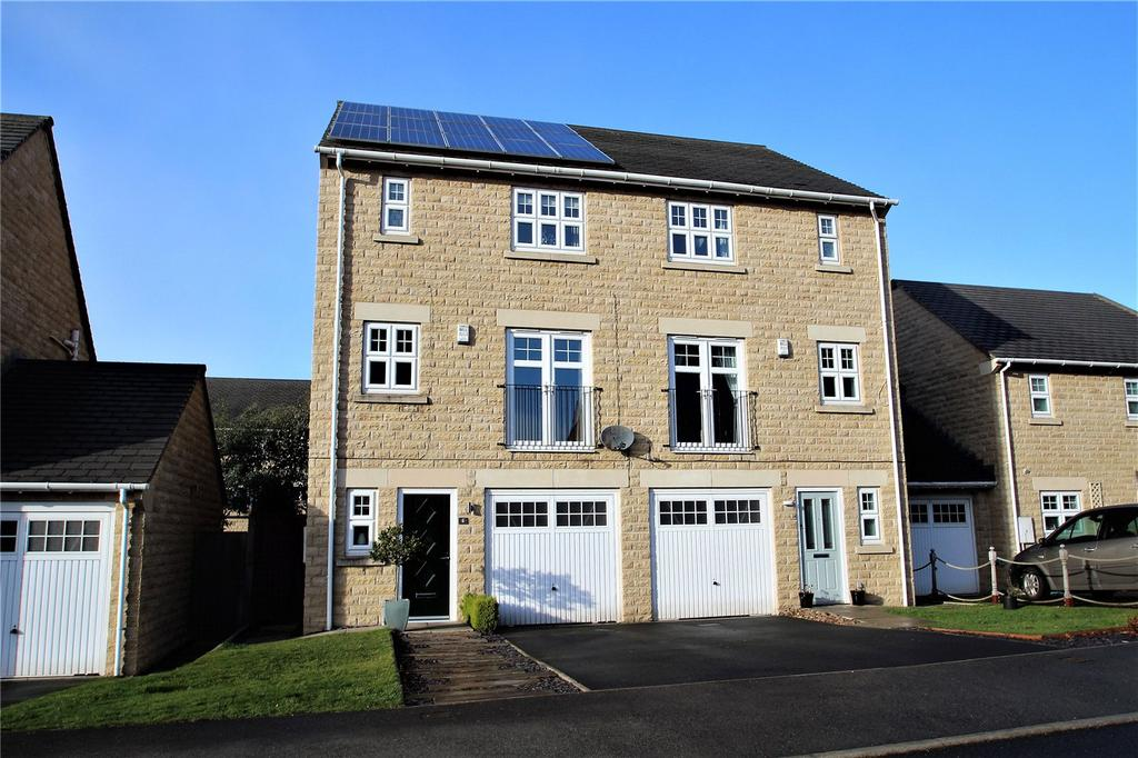 4 Bedrooms Town House for sale in Maydal Drive, Woolley Grange, Barnsley, S75