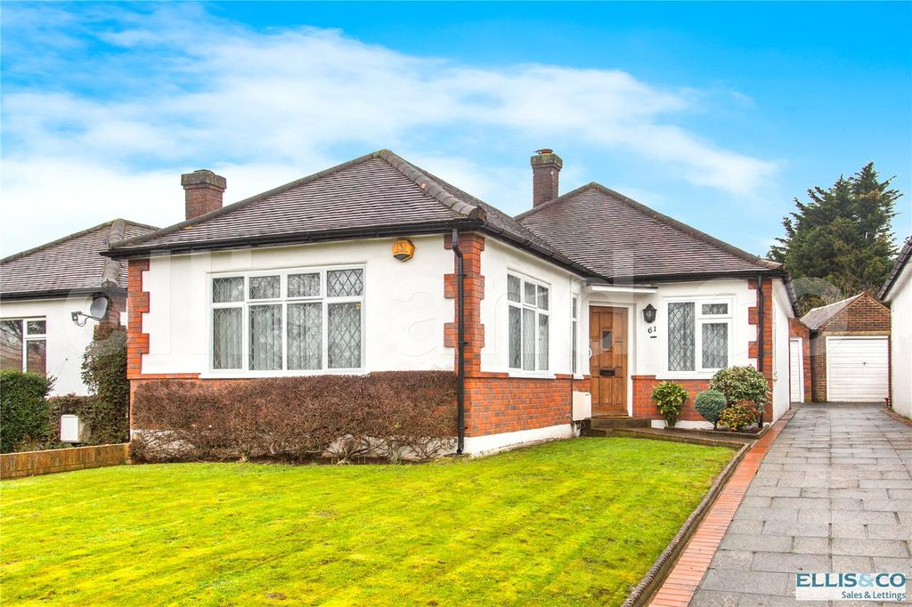 2 Bedrooms Detached Bungalow for sale in Page Street, Mill Hill, London, NW7