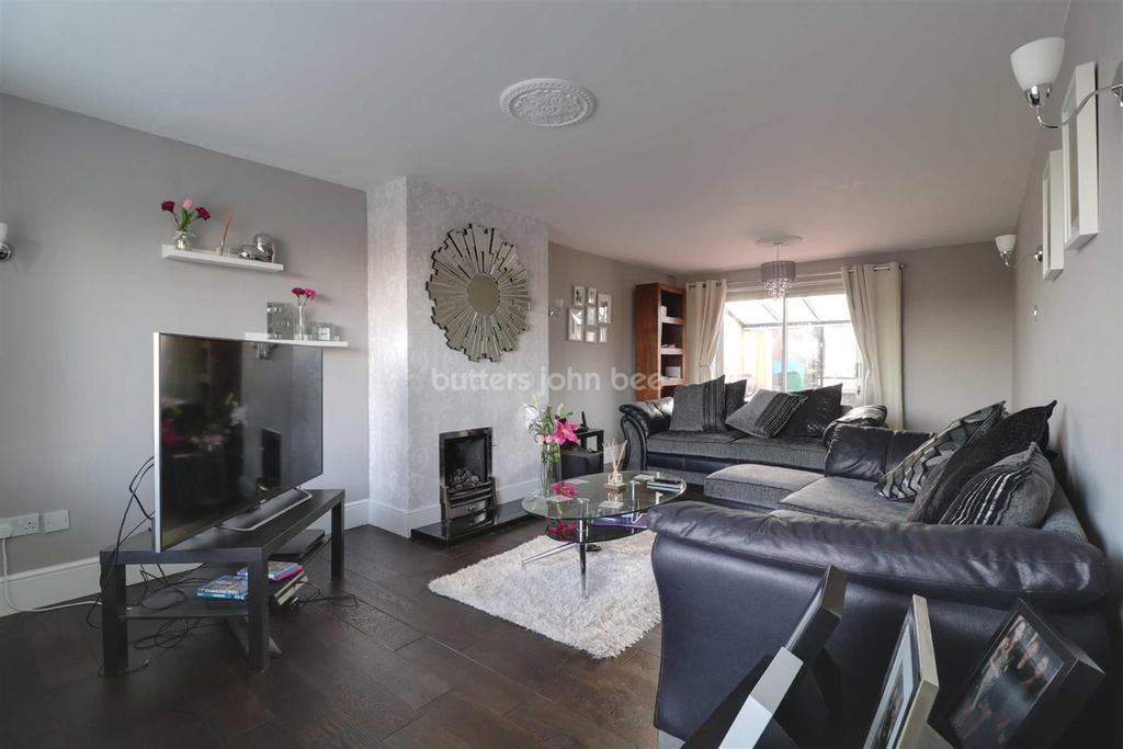 4 Bedrooms Detached House for sale in Ludford Drive