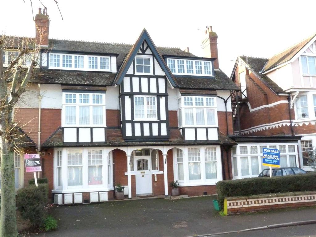 2 Bedrooms Apartment Flat for sale in Tregonwell Road, Minehead, Somerset, TA24