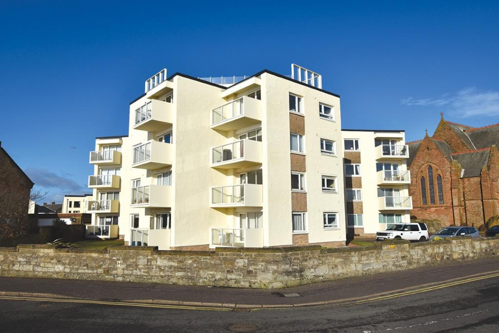2 Bedrooms Apartment Flat for sale in 2 Marine View Court, Troon, KA10 6AY